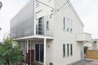 片流れ屋根が空間を作る住まい